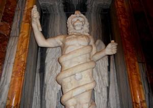 مجسمه خدا زروان و مار